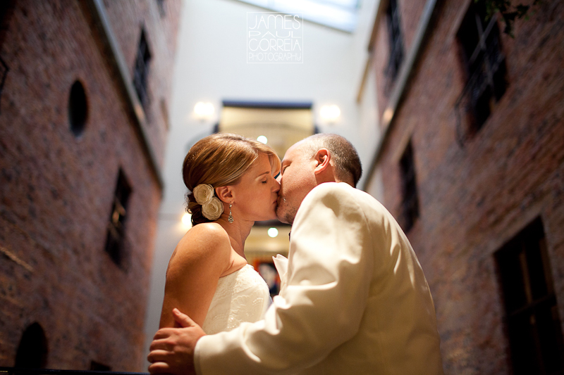 Montreal Wedding Photographer photos at Hotel Nelligan