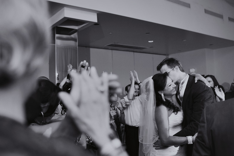 La Plaza Holiday Inn Montreal wedding photographer