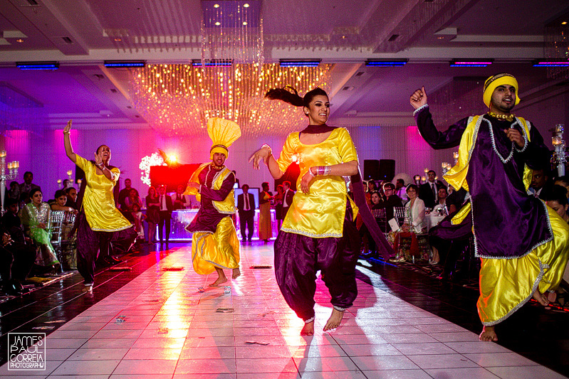 Mont Blanc Montreal Wedding Photographer punjabi dance performance