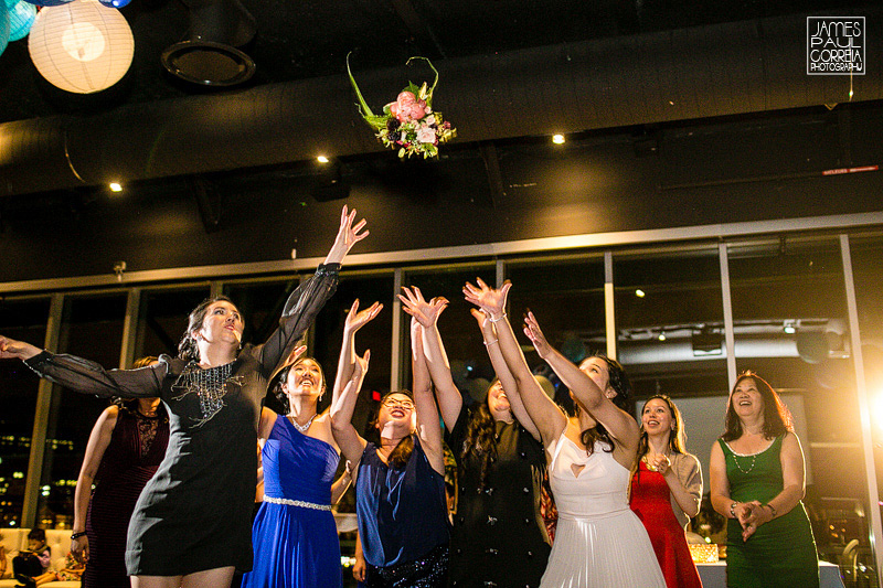 montreal science centre bouquet toss photography