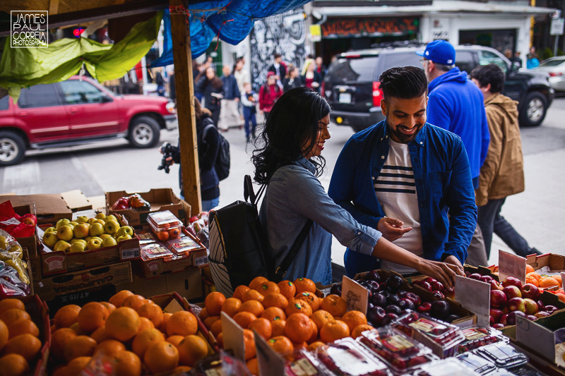 fruit market engagement photographer